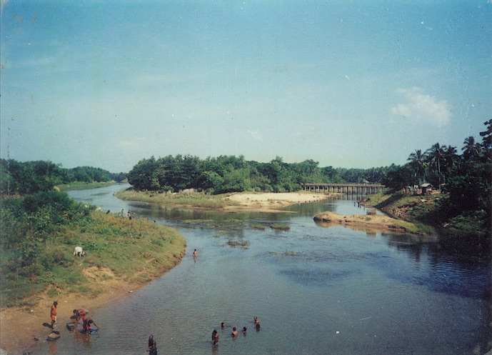 This Dandabhanga Pastime site is also termed as a Mukta Triveni Tirtha (the meeting place of 3 sacred rivers).
